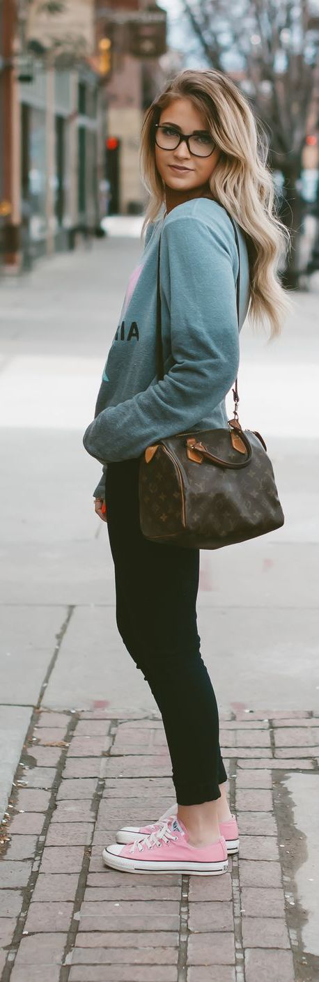 20 Super Casual Styles with Sneakers | Pink Sneakers