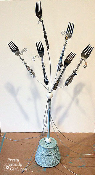 Old forks? Use them in this creative DIY fork photo holder!   Pretty Handy Girl #prettyhandygirl #tutorial #DIY