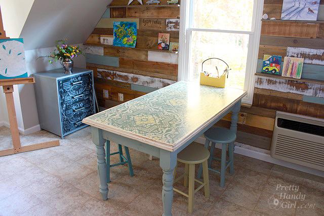 scrap_wood_wall_table