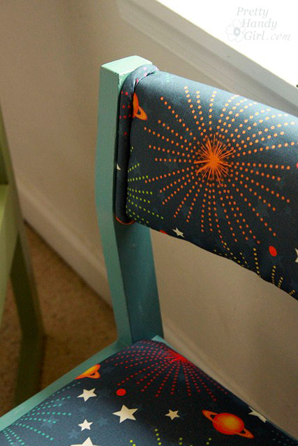 close_up_piping_on_blue_chair