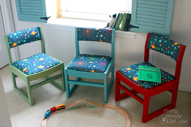 trio_primary_colored_kids_chairs