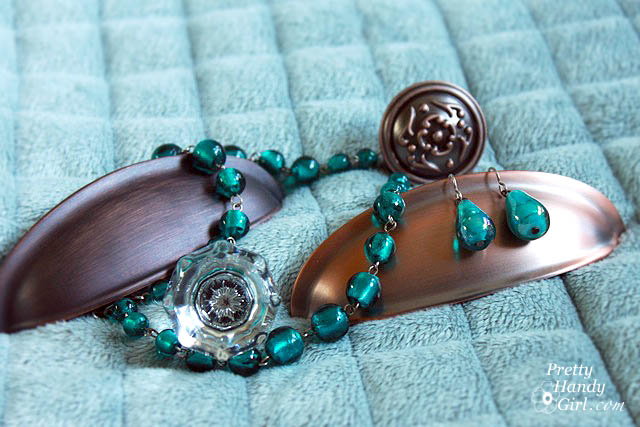 Cabinet_jewelry