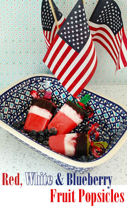 Red_white_blueberry_popsicles