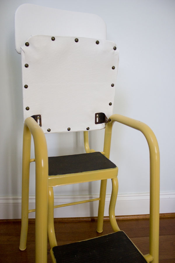 Excellent Curbside Vintage Step Stool Makeover Pretty Handy Girl Creativecarmelina Interior Chair Design Creativecarmelinacom