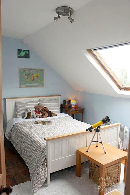 boys_bedroom_skylight