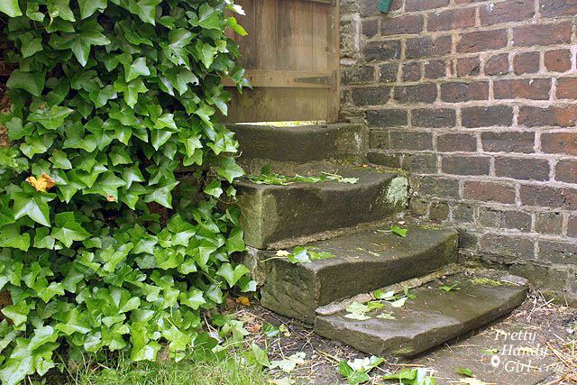 curved_stone_stairs