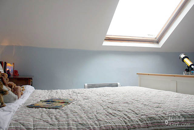 velux_window_over_bed