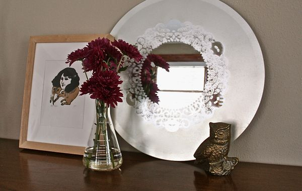 Spraypainted Doily Lace Mirror | 30 Amazing DIY Mirrors