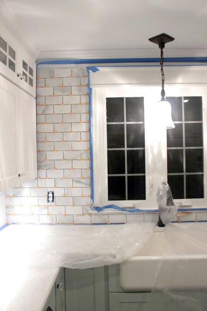 How To Tile A Backsplash Part 1 Tile Setting Pretty Handy Girl