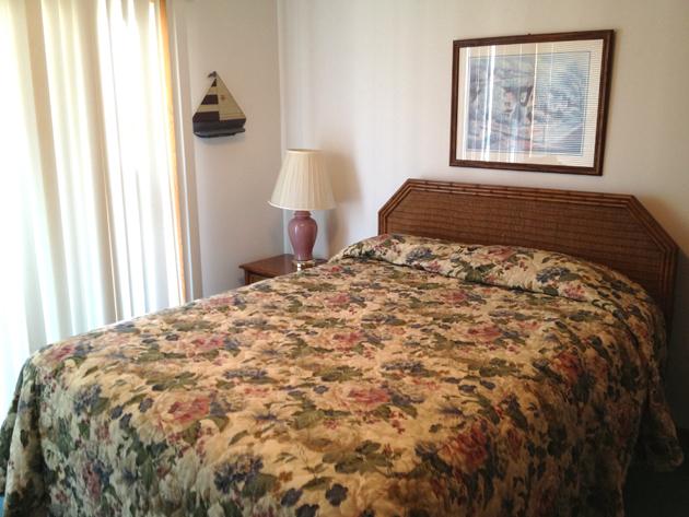 queen-bedroom-before2