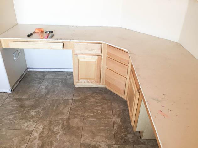 Strange Build A Wood Plank Desktop For About 40 Interior Design Ideas Helimdqseriescom