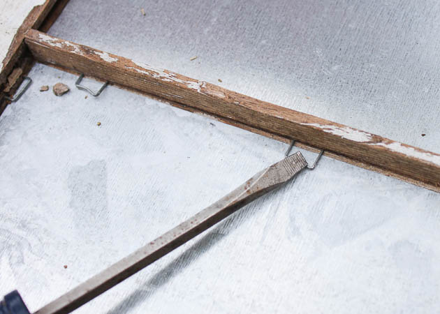 press-staples-down-onto-metal