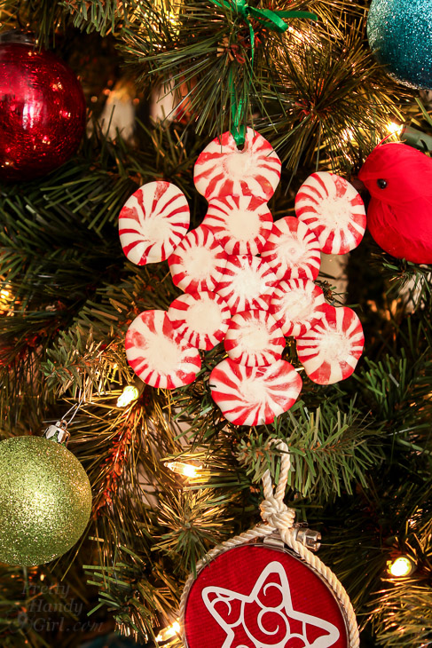clever diy holiday decor ideas - peppermint snowflakes