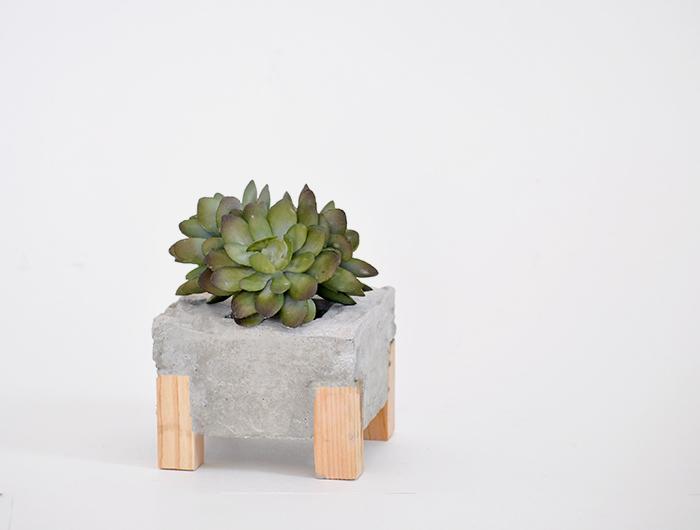 DIY Concrete Wood Planter