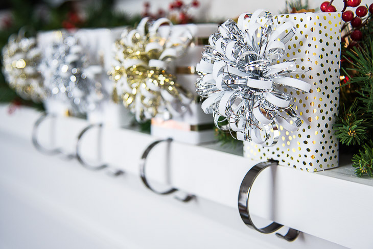 Love how festive these DIY stocking holders look on the mantel!