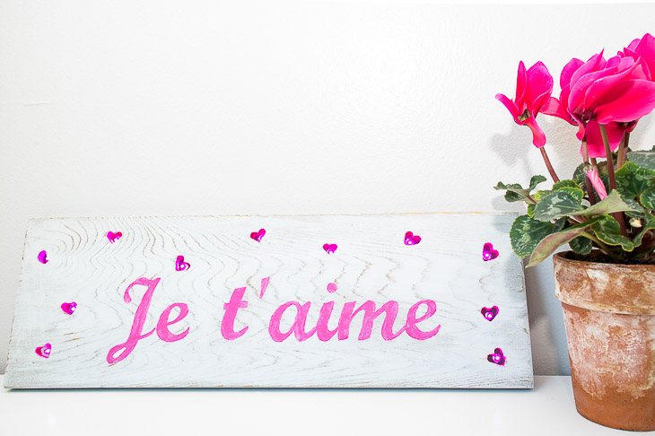 Light up your Valentine's Day with this fun sign!