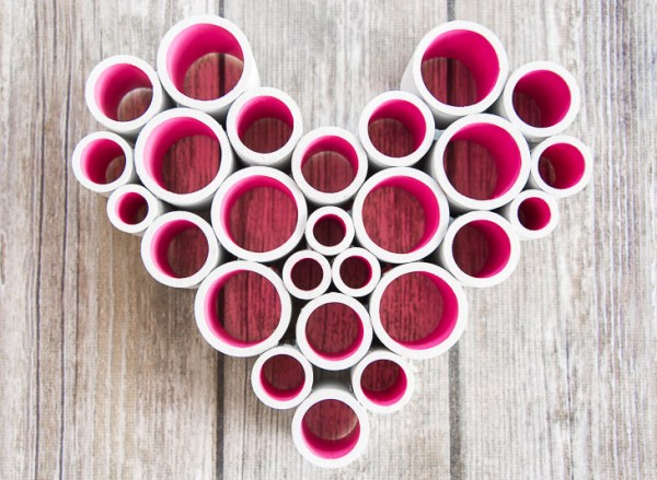 This PVC heart decoration is easy to make with various sizes of PVC pipe!