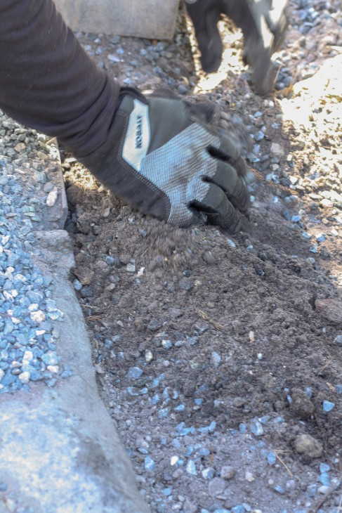 Installing Concrete Paver Edging