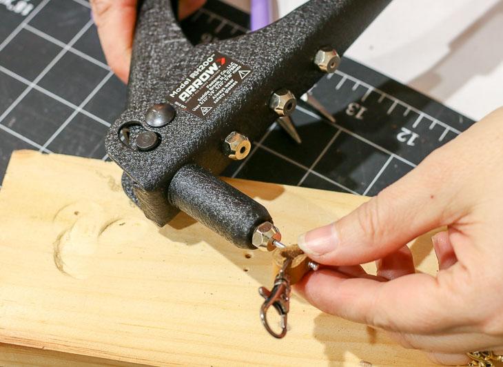 insert rivet into rivet gun