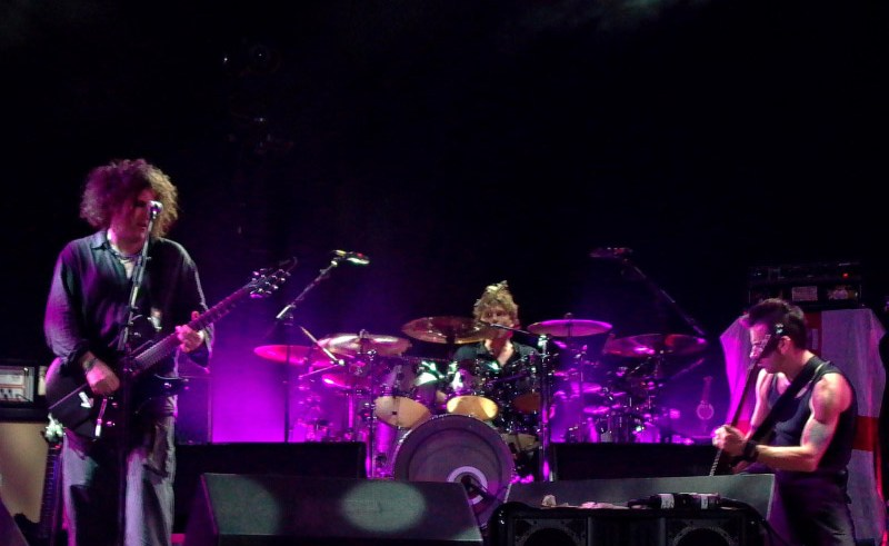 The Cure live 2004