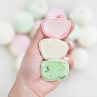Mochi Ice Cream - Soft Pillowy Dough Stuffed with Creamy Cold Ice Cream