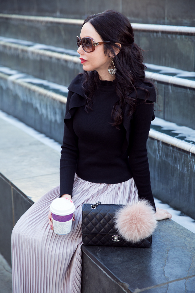 How to Style A Casual Holiday Look