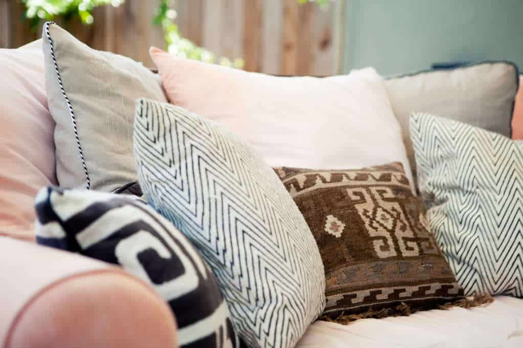 how to sew zipper pillows with piping