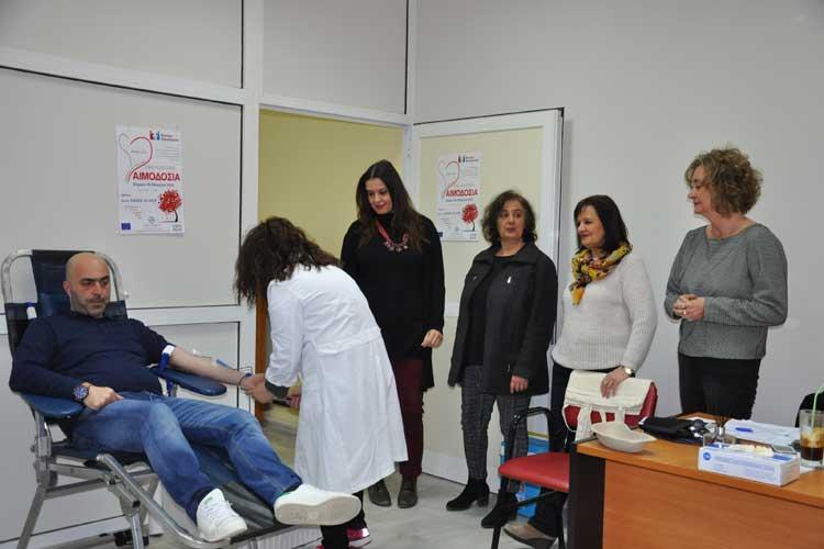 Εθελοντική αιμοδοσία από τον Δήμο και το Νοσοκομείο Πρέβεζας_5e068181d6722.jpeg