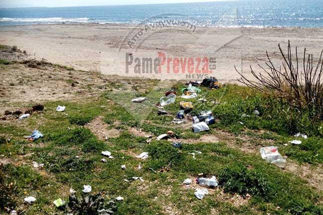 Κανάλι: Αυτά τα σκουπίδια, από την Κ. Δευτέρα, ποιος θα τα μαζέψει; – Τι συμβαίνει κε Αντιδήμαρχε Ζαλόγγου;_5e06842431c9a.jpeg