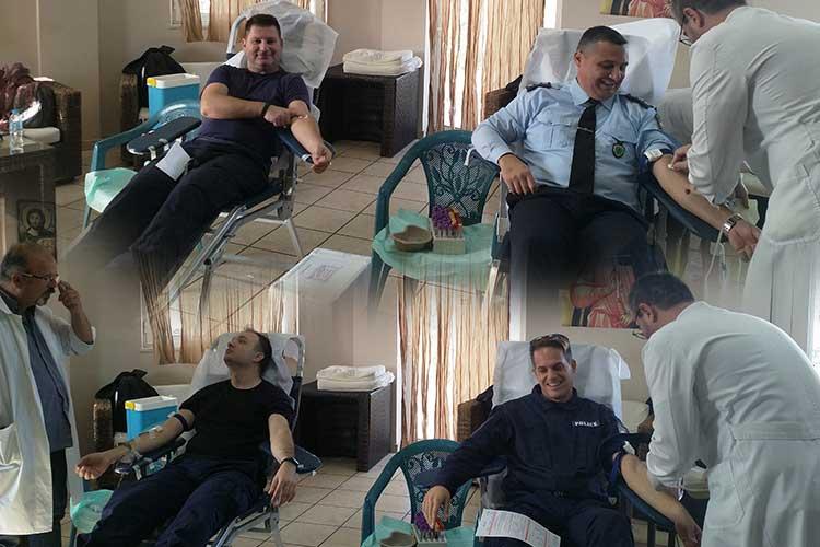 Οι Αστυνομικοί της Πρέβεζας προσφέρουν το αίμα τους_5e04e756d952b.jpeg