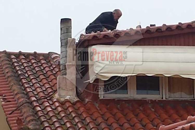 Πρέβεζα: Ατρόμητος ο Αντιδήμαρχος Παύλος Σαραμπασίνας σε ρόλο spiderman – Φωτό_5e06894ee8de0.jpeg