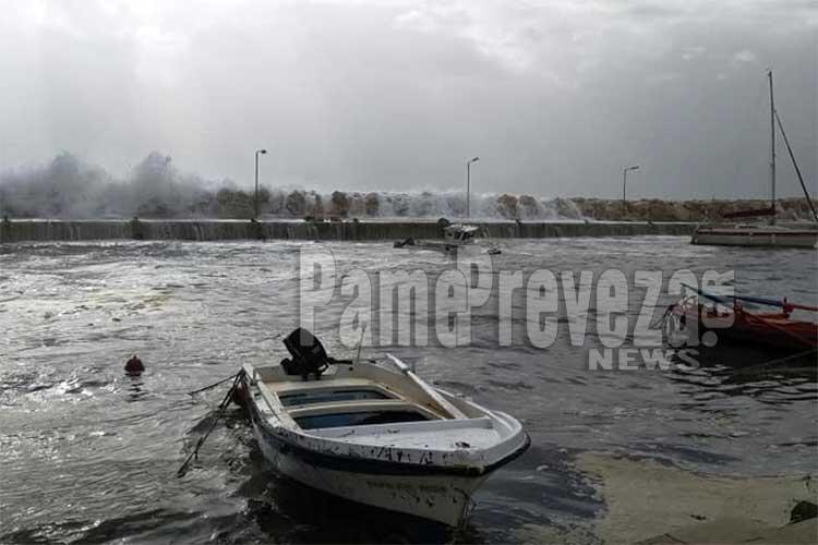 Πρέβεζα: Βυθίστηκε σκάφος στο λιμάνι στον Παντοκράτορα – Βίντεο_5e04e9ca1377d.jpeg