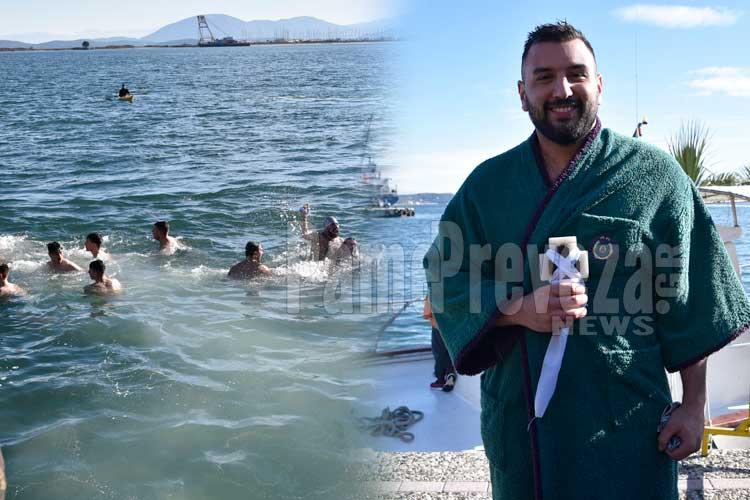 Θεοφάνεια στην Πρέβεζα: Ο Κίμωνας Πουρναρόπουλος, για πέμπτη φορά, ο ευλογημένος της χρονιάς_5e06923f270b6.jpeg