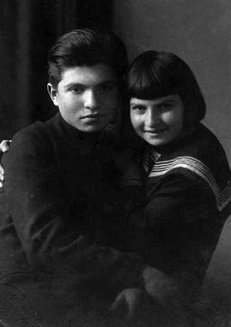 Елизавета с братом Эмилем Гилельсом
