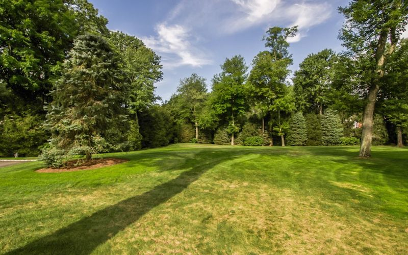 Extraordinary Greenwich Acreage 9950000 Pricey Pads