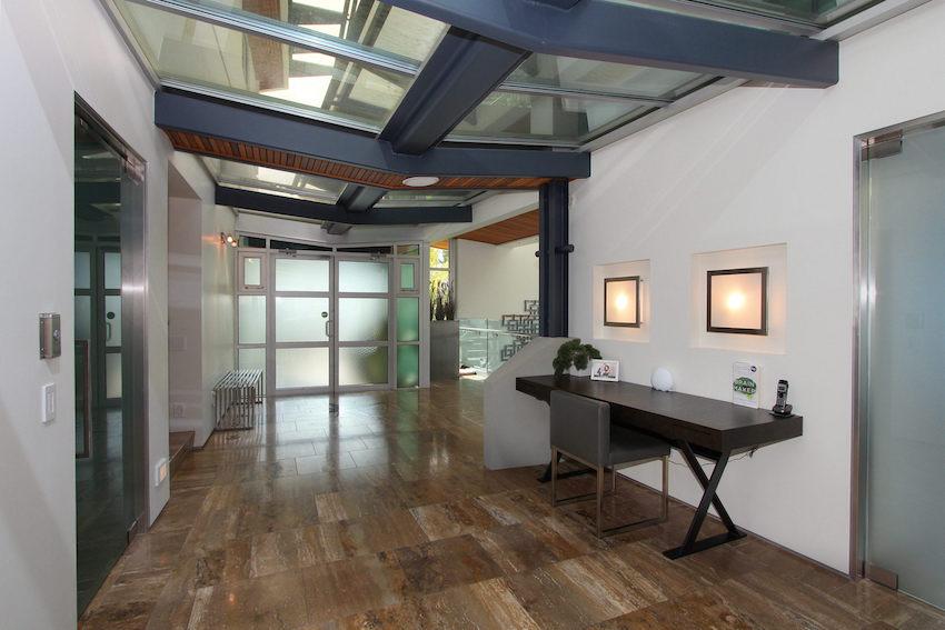 Sleek Kelowna BC Residence Offered At 69 Million