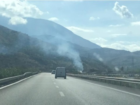 Cronaca Ragusa, furgone in fiamme sul ponte Costanzo di Modica