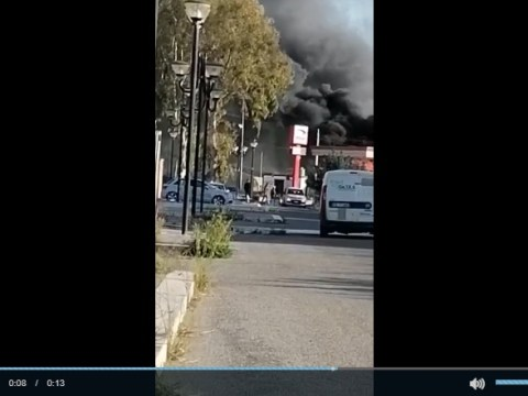 ULTIM'ORA GELA - In fiamme un container in sosta vicino al distributore di benzina