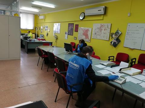 Caltagirone, Foto volontari e Protezione civile al lavoro