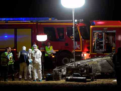 Orribile incidente, minivan prende fuoco, 5 bambini morti tra le fiamme