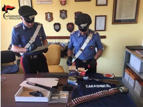 carabinieri vittoria materiale sequestrato