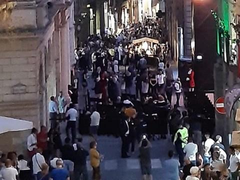 Caltagirone, Codacons presenta esposto in Procura per quanto accaduto nell'evento Devotion, griffato Dolce&Gabbana, assembramenti e niente mascherine