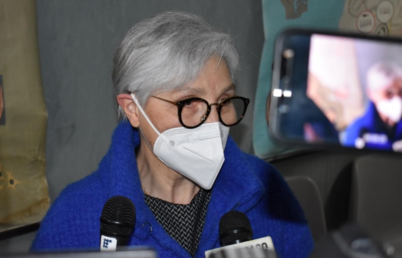 infermiera Rosa Reale, del reparto di Radiologia dell'ospedale Gravina di Caltagirone, prima donna ad essere vaccinata in città