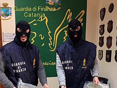 ULTIM'ORA CALTAGIRONE - Arrestato Christian Amato, trasportava 60 mila euro di stupefacente. Il comunicato della Guardia di Finanza.