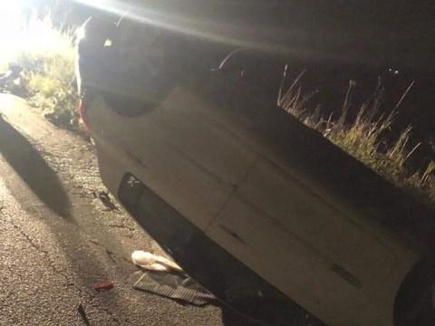 Terribile incidente, auto cappotta con tre giovani dentro. Scontro avvenuto contro Vespa guidata da un sessantenne.