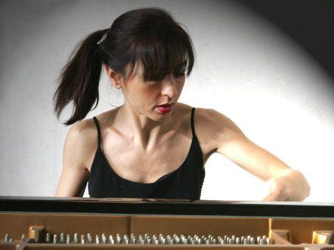 Cinzia Dato, la pianista messinese all'Auditorium Istituto Sacro Cuore di Catania. L'esibizione è attesa per questo sabato.