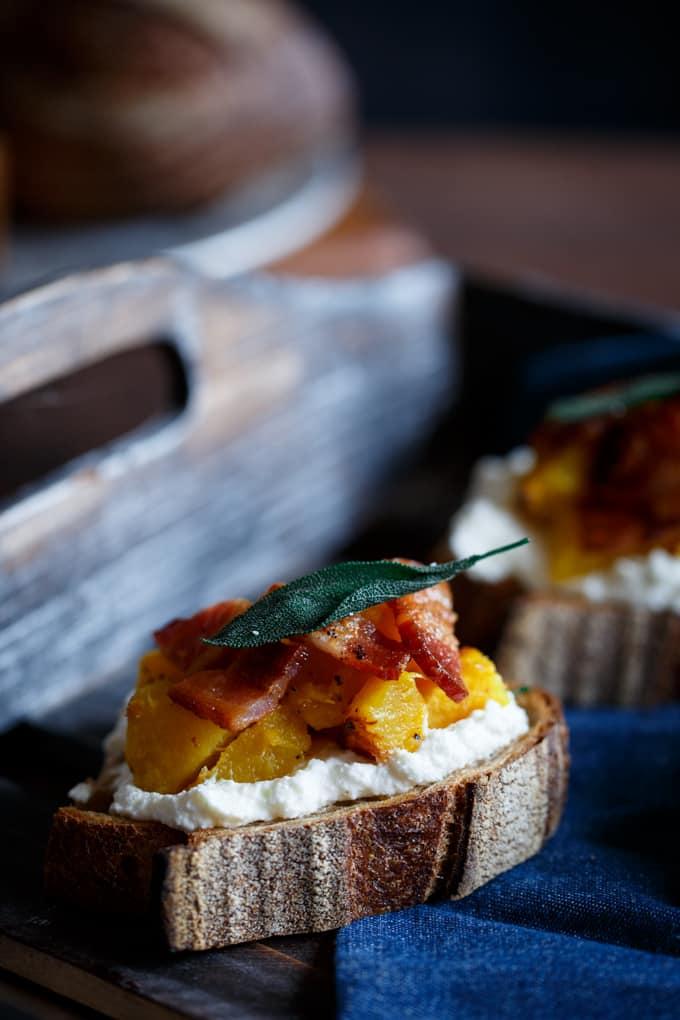 acorn-squash-honey-bacon-crostini-7