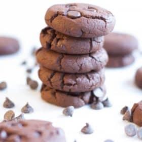 Gluten free Chocolate Chunk Cookies | primaverakitchen.com