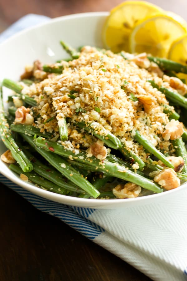 Roasted Green Beans with Garlic Panko - primaverakitchen.com Primavera Kitchen Recipe