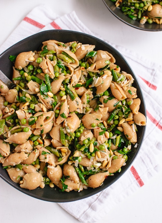Spring pea and asparagus pasta in a bowl.